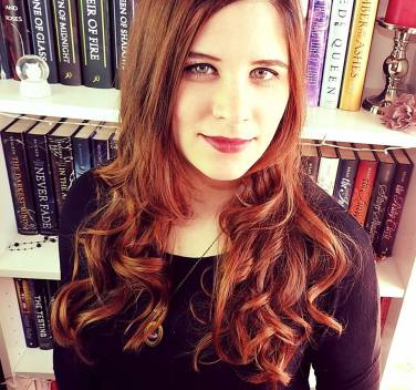 Laura Labas - Selfpublisherin und Drachenmondautorin